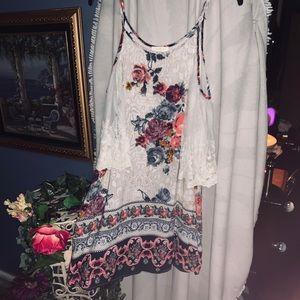 Umgee cute dress or top in medium